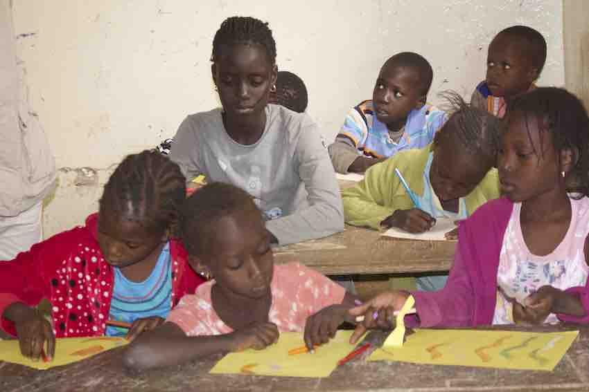 écoliers au Sénégal