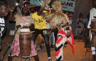 Faux-lions et musiciens